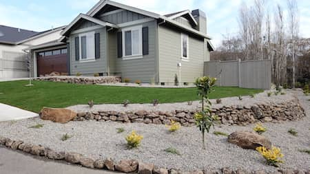 Landscaping With Retaining Wall